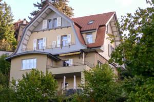 Dachsanierung und Fassadenrenovation mit der Denkmalpflege