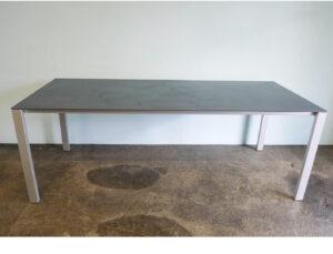 Tisch Lean