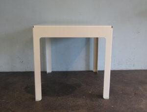 Tisch Bolo
