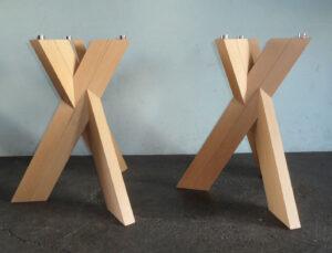 Paar Tischfüsse Trias